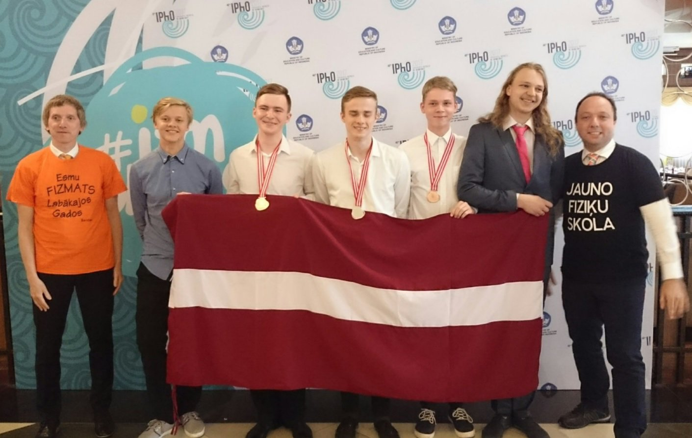 IPhO 2017 team LV